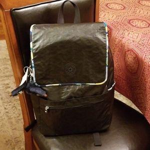 🆕️Kipling laptop backpack, lacquer black